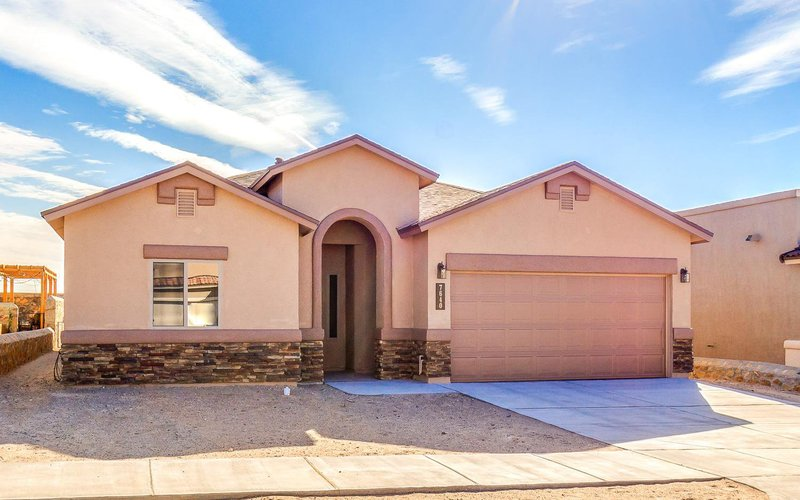 Plan r8811 classic american homes builders in el paso for Classic american el paso